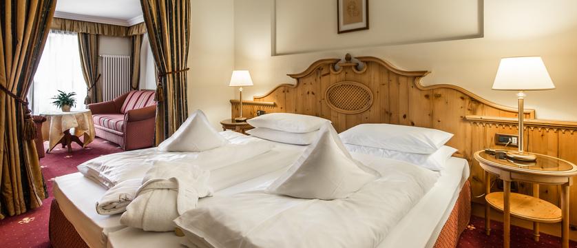 Luxury Bedroom.jpg